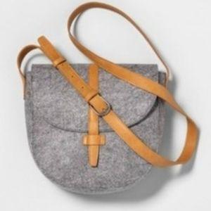 Felt Foldover Flap Hearth & Hand Magnolia Bag